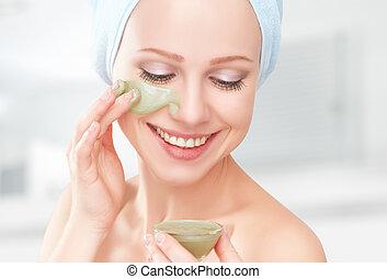 beau, girl, dans, salle bains, et, masque, pour, facial,...