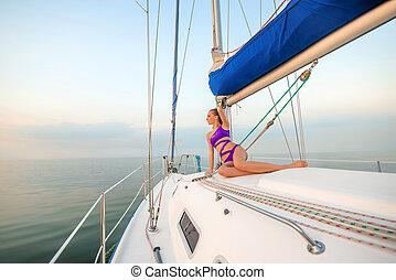 beau, girl, yacht., bains de soleil