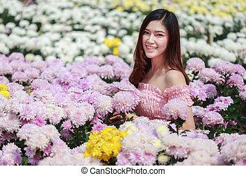 beau, glower, femme, jardin, chrysanthème