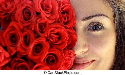 beau, gros plan, femme, jeune, figure, advertisement., roses., advertising., rouges