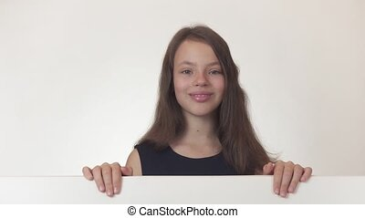 beau, information, joyeusement, affiche, métrage, tient, il, adolescent, fond, girl, video., blanc, advertises, stockage