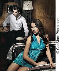 beau, jeune couple, reposer, dans, chambre à coucher, avant,...