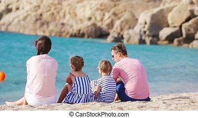beau, jeune famille, vacances