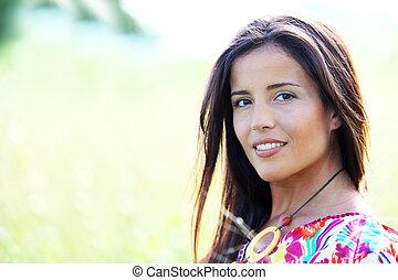 beau, jeune femme, dans, nature