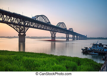 beau, jiujiang, yangtze rivière, pont, à, crépuscule