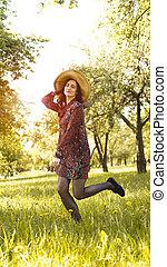beau, jouir de, femme, sain, outdoor., parc, jeune, nature., fille souriant