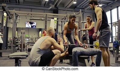 beau, lourd, femme, crise, gymnase, jeune, barre disques, bench., levage