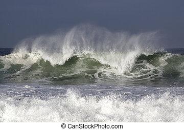 beau, lumière, vague fracassante