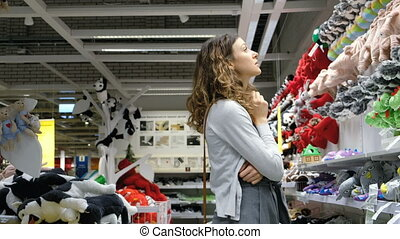 beau, magasin, 4k., chooses, jouets, dorlotez fille, doux, caucasien