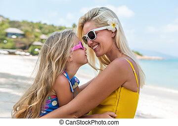 beau, mignon, girl, plage, mère