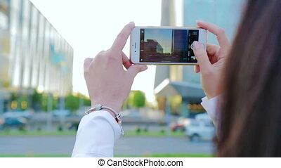 beau, montage, prendre, jeune, photos, cityscape, girl