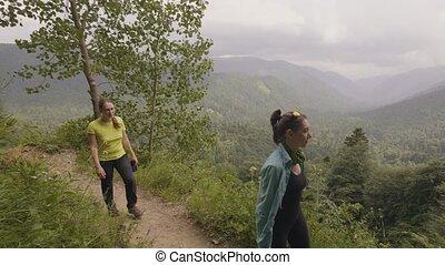 beau, montagne, marche, randonnée femme, quoique, piste, tour, paysage