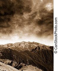 beau, montagne, orage, venir