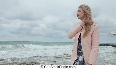 beau, océan, optimiste, orage, pendant, blond, sourire