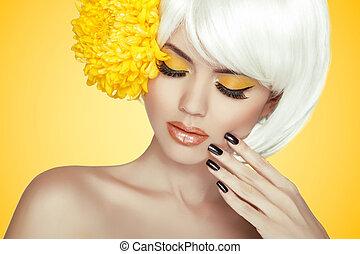 beau, parfait, femme, nails., beauté, pur, face., spa, isolé, makeup., girl., skin., elle, portrait., fond jaune, manucuré, frais, modèle, toucher
