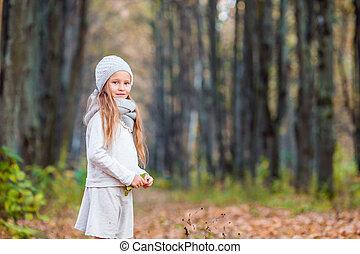 beau, peu, parc, automne, chaud, dehors, girl, adorable, jour