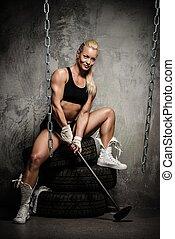 beau, pneus, séance femme, musculaire, culturiste, tenue, marteau