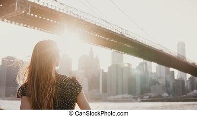 beau, pont, souffler, barrière, dos, contre, cheveux, brooklyn, 4k, remblai, penchant, girl, rivière, vent, vue
