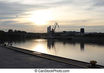 beau, port, grue, coucher soleil