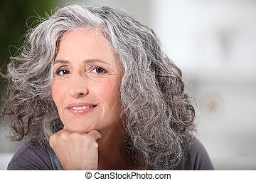 beau, portrait, femme aînée