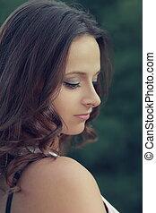 beau, profil, romantique, pensée, figure, closeup, portrait, girl, outdoors.