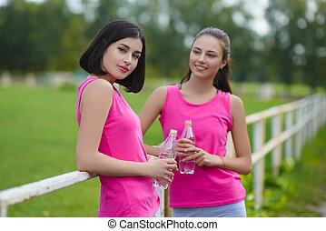 beau, reposer, extérieur, athlète, filles, eau, fitness, boire, ou