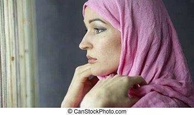 beau, rideaux, femme, musulman, regarder, arabe