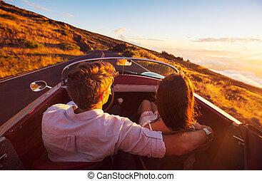 beau, romantique, conduite, coucher soleil couples, route