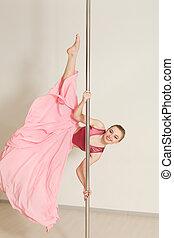 beau, rose, femme, étirage, robe,  poledance