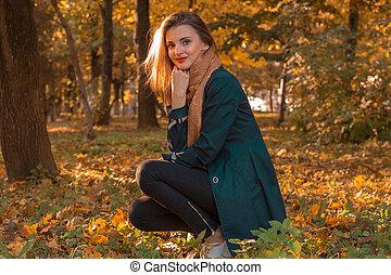 beau, séance, feuilles, parc, jeune, automne, girl
