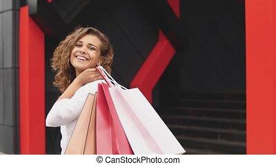 beau, sacs, achats femme, -, tenue, dehors, sourire