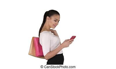 beau, sacs, marche, achats femme, arrière-plan., mobile, jeune, téléphone, tenue, utilisation, blanc