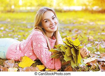 beau, saison, charmer, automne, portrait, fille souriante
