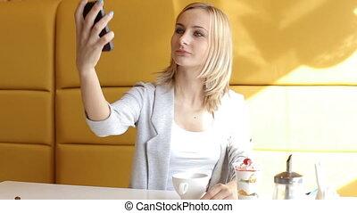 beau, selfie, jeune fille, café, marques