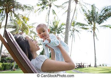 beau, sien, amusement, asiatique, mère, bébé, avoir