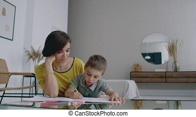 beau, sien, apprend, plancher, family., chandail, mère,...