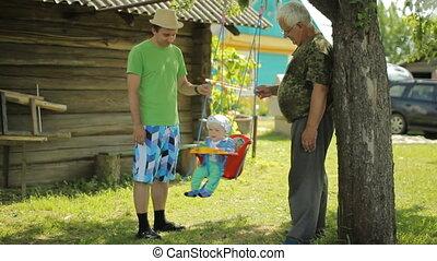 beau, sien, jardin, petit-fils, père, grand-père, bébé, maison, personne agee, rouleaux, swing., homme