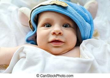 beau, sien, serviette, dos, bébé, emballé, mensonge