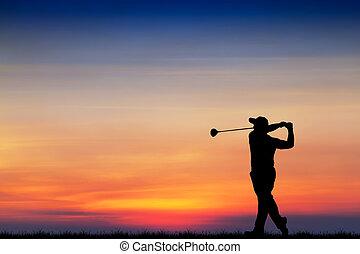 beau, silhouette, coucher soleil, pendant, golf, golfeur, jouer