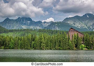 beau, strbske, pleso, et, lac montagne, dans, slovaquie