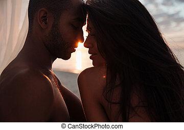 beau, tendre, coucher soleil couples, jeune