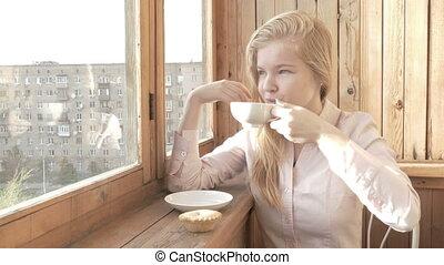 beau, thé, jeune, femme, boire
