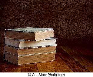 beau, vieux, bois, livres, tas, table
