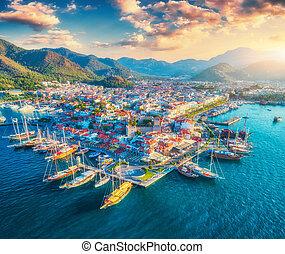 beau, ville, aérien, yahts, bateaux, coucher soleil, vue
