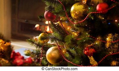beau, vivant, brûlé, coloré, métrage, arbre, contre, lumières, incandescent, closeup, 4k, cheminée, noël, salle