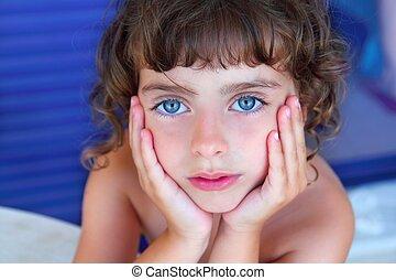 beau, yeux bleus, peu, figure, mains, portrait, girl