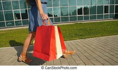 beaucoup, achats femme, tenue, sacs