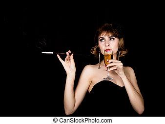 beauté, retro, femme, modèle, à, professionnel, maquillage, tenue, embouchure, et, verre, de, champagne., mode, vendange, femme, sur, a, fond foncé