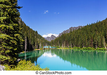 Alpine lake - Beautiful Alpine lakes wilderness area in ...