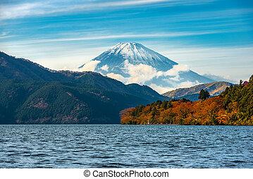 beautiful autumn scene of mountain Fuji and Lake Ashinoko, Hakone, Japan, travel background